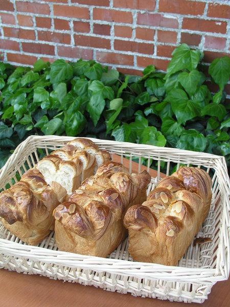 今月のパン.jpg