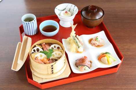 蒸し寿司-min.JPG